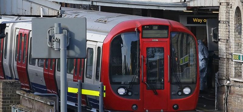 Kisebb robbanás volt az egyik londoni metróállomáson kedd este