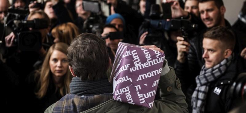 Elkaszálta az NVB a Momentum miniszterelnökös népszavazási kérdéseit