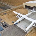Videó: Felpörgették a világ legnagyobb repülőgépét, ami 226 000 kilót nyom