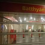 Kirakják a buszokat a Batthyány térről