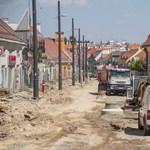 A föld alatt is felforgatták Budát a fonódó villamoshálózat miatt – fotók
