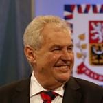 Zeman nyerte a cseh választás első fordulóját, de nem ünnepelhet