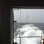 Több száz emberrel a fedélzetén kigyulladt egy balti-tengeri komp