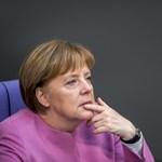 Több mint 9000 euróval lóg pártjának Merkel