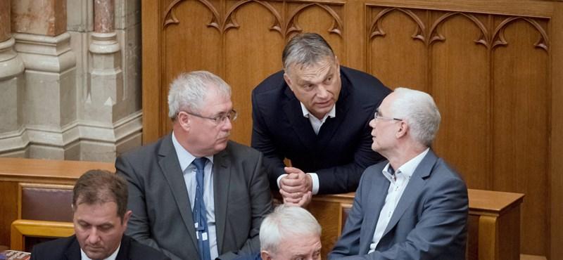 Magyarország bezárt: megszavazták az Alaptörvény-módosítást és a Stop Sorost