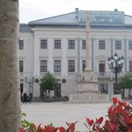A bencés gimnázium kapja meg a Győr főterén álló Lloyd-palotát