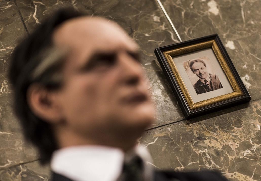 faz.16.01.27. - Harry Houdini előtt tisztelgő kiállítás nyílt az Országos Széchényi Könyvtárban