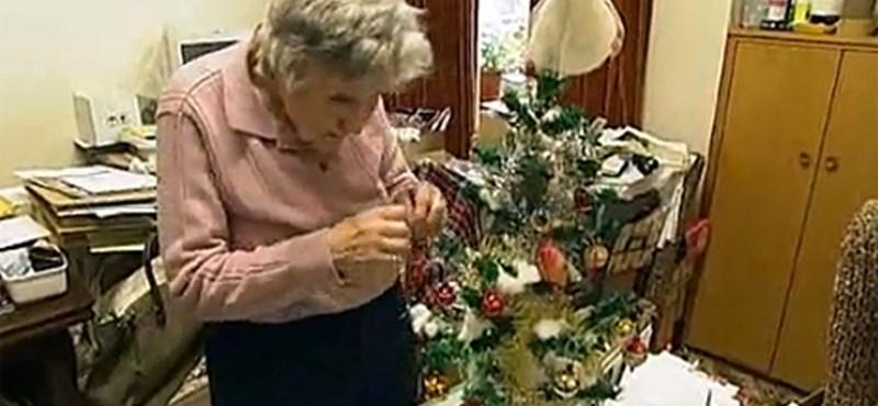 Ugyanazt a karácsonyfát díszíti fel 1928 óta