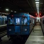 Mire megérkeztek a tűzoltók, már nem füstölt a 3-as metró, de az utasok szívtak