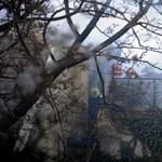 Idős nőt mentettek ki egy lángoló lakásból Szegeden a rendőrök