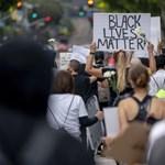 A Netflix beszállt néhány millióval a rasszizmus elleni harcba