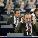 Szájer szerint a menekültek miatt nincs programja a Fidesznek