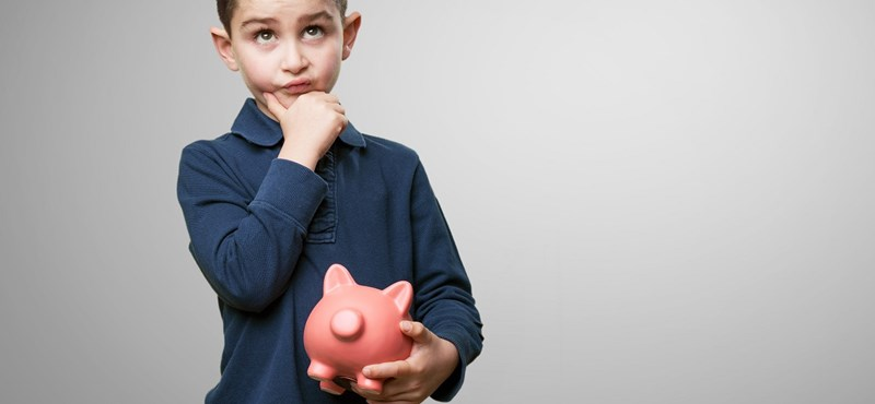 A gyerekeinknek is jobb lenne, ha mi szülők nem állnánk ilyen csehül pénzügyi tudatosságban