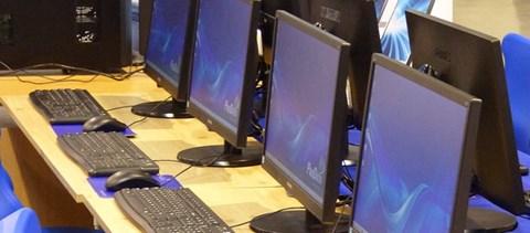 Egy nap alatt 15 ezren jelentkeztek az ingyenes informatikai képzésekre