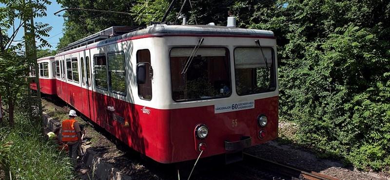 Egy idő után hívni kell majd a fogaskerekűt pótló buszokat, máskülönben nem jönnek