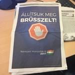 Szerkesztői jegyzetben magyarázták meg a Népszavában megjelent kormányhirdetést