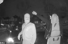 Méretes zsinórantennával hadonászva viszik el a kulcs nélküli autókat a tolvajok – videó