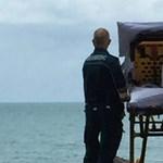 Halálos beteg kívánságát teljesítették a mentők, kivitték a tengerpartra - fotó