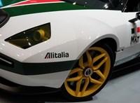 Egy őszinte sportkocsi: üléspróbát vettünk a Ferrari-alapokra épülő újkori Lancia Stratosban