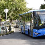 Ezer Ikarus-buszt vesz Irán, jöhet a légi járat is