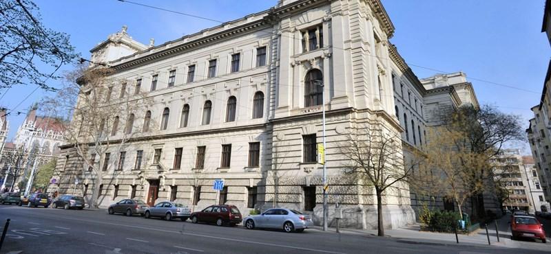 2,5 milliárdért cserébe elköltözne a Politikatörténeti Intézet