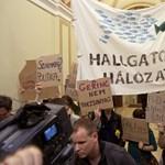Keretszámvágás: hétfő délután az ELTE-n tüntet a Hallgatói Hálózat