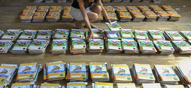 Ezt kapják a másodikos diákok: 190 oldalas könyv és 100 oldalas munkafüzet