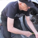 Amire mindenki kíváncsi: lehet-e az autó kerekét biciklikerékkel pótolni?