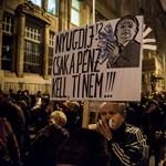 Kedden is tüntettek, most a manyupok miatt