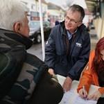 A Fidesz szerint nincs vele gond, hogy néppártos holmikkal kampányolnak