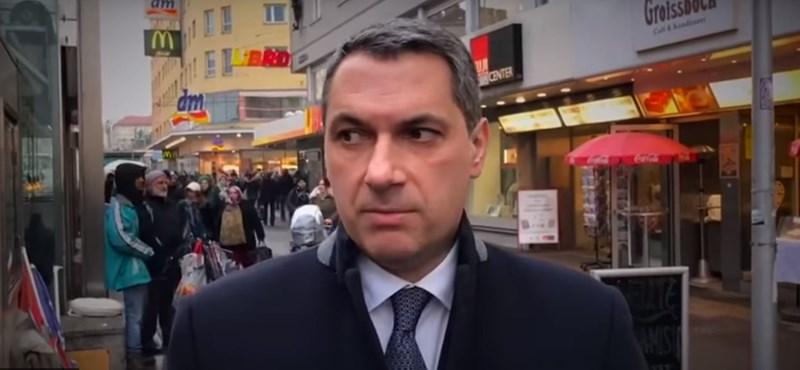 Lázár állítja, a Facebook törölte a bécsi migránsozó videóját