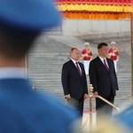 A fagyi után után most szaunával lepte meg a kínai elnököt Putyin