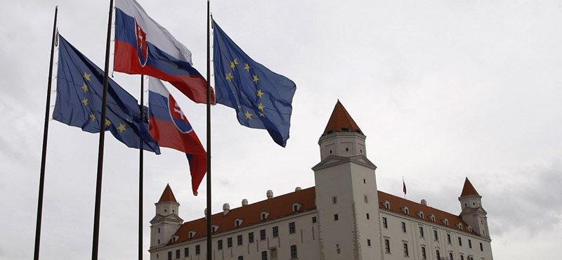 Ennyien vesztették el szlovák állampolgárságukat, mert felvették a magyart