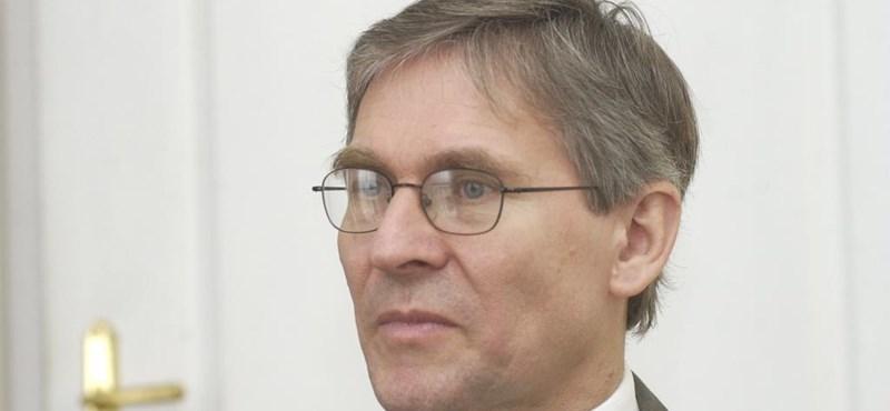 Magyarics: Amerika még kivár Magyarországgal kapcsolatban