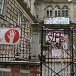 A kuratórium felfüggeszti az oktatást a Színművészetin