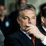 Leszedték a felcsúti iskola faláról Orbán és Mészáros tablóképét