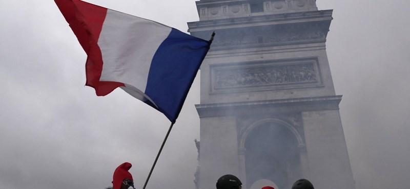 Meccseket halasztanak a franciaországi zavargások miatt