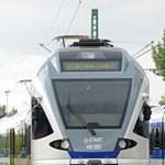 Különleges vonat jött ma Svájcból Magyarországra – fotó