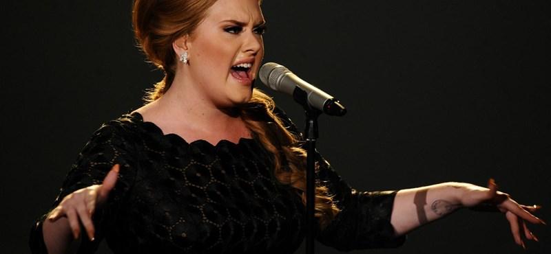 """Adele: """"Néha olyan ideges vagyok, hogy elhányom magam"""""""
