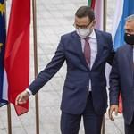 Gazeta Wyborcza: A lengyel kormány azért fenyegetőzik vétóval, mert fél