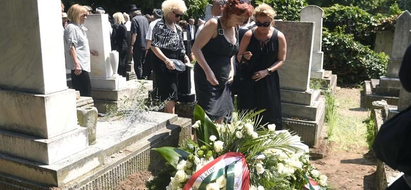 Eltemették Ungvári Tamást
