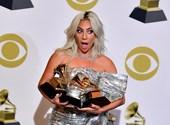 Lady Gaga felbontotta a jegyességét