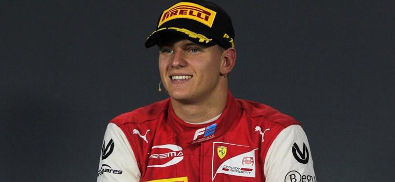 Beindult a pilótekeringő, újra lesz Schumacher a Forma–1-ben