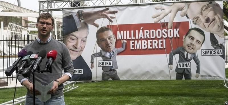 Simicskás-sorosos plakátokkal támad a Fidelitas - fotók