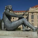 Megszűnnek a Debreceni Egyetem centrumai