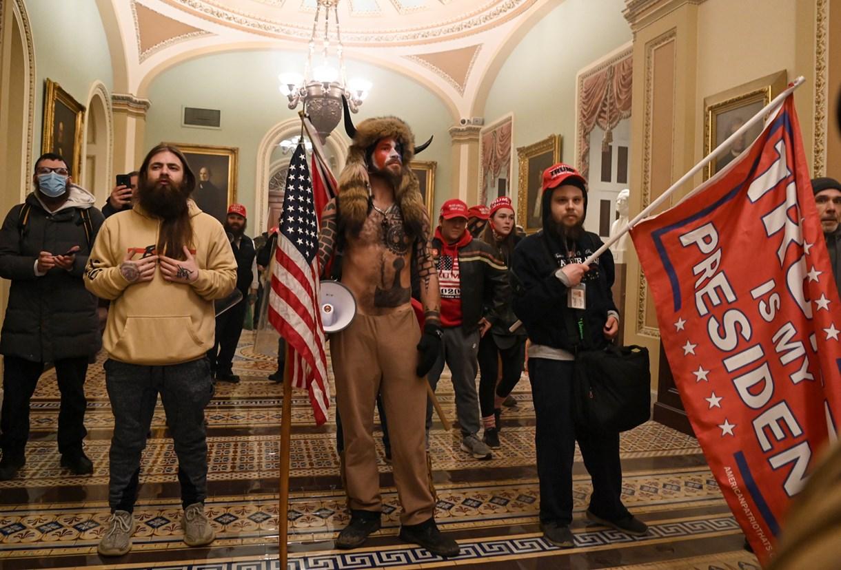 Támadás a Capitolium ellen, támadás a demokrácia ellen - Nagyítás fotógaléria