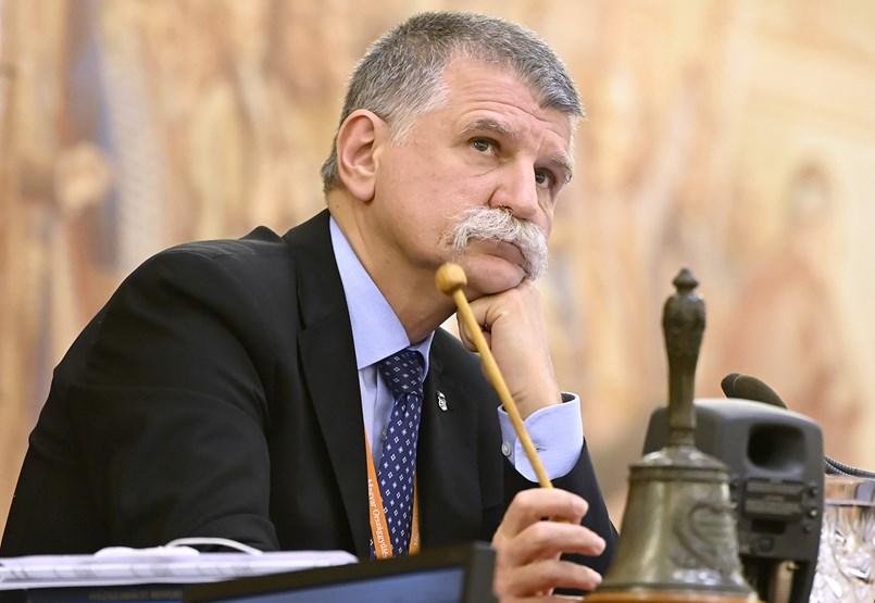 László Kövér finalmente se dio cuenta de que la oposición estaba visitando armas de fuego de sentencias estándar