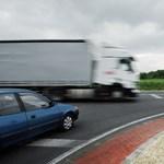 Három biztosító kaszál a magyar autósokon