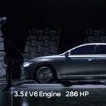 Ilyen látványosan lehet a hanghullámaival is reklámozni egy kocsit - videó