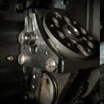 1000 képkocka/másodperc sebességgel rögzítették, hogyan működik egy régi, filmes videokamera